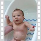 Видео: Къпане на бебето - първи стъпки
