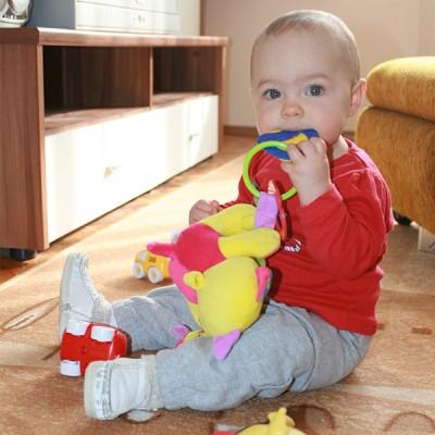 Бебетата учат по-добре седнали