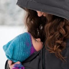 Бебеносене през студените дни – лесно и удобно