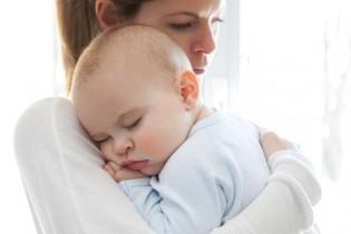 Първа помощ при задавяне на бебето - София
